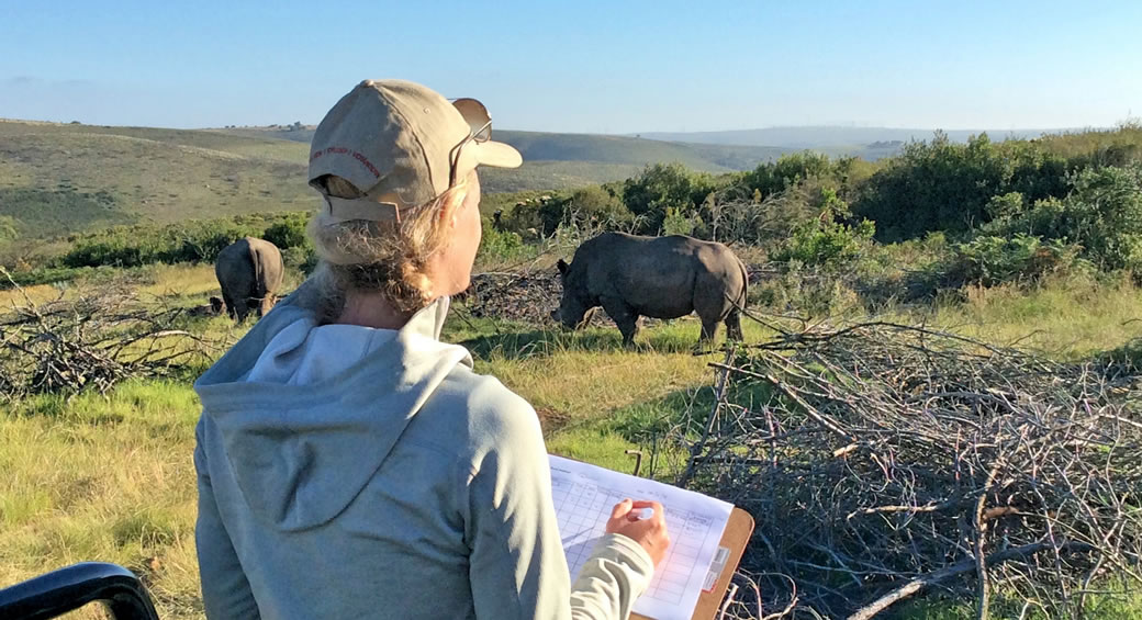 Elela-Africa-Monitoring-Rhinos-web2