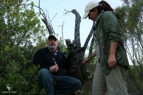 setting-up-camera-traps-at-tented-eco-camp-gondwana