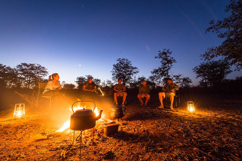 05 Wilderness Trail Camp Lagerfeuer Elela Africa