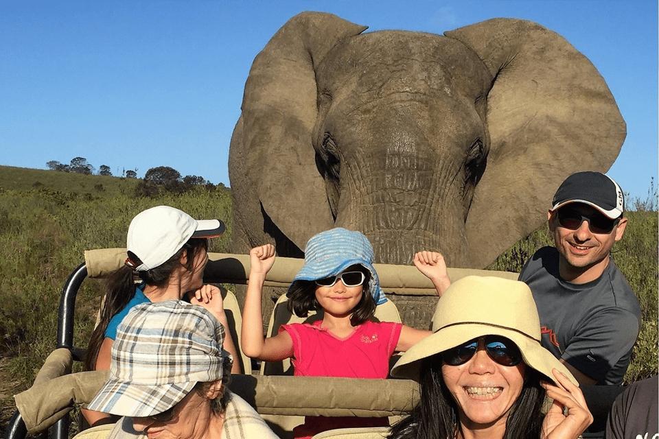 Familien-Urlaubs-Ranger-Safari