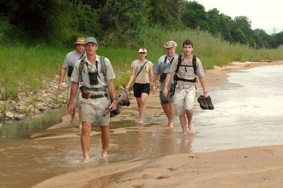 01 Elela Africa Bush Walk