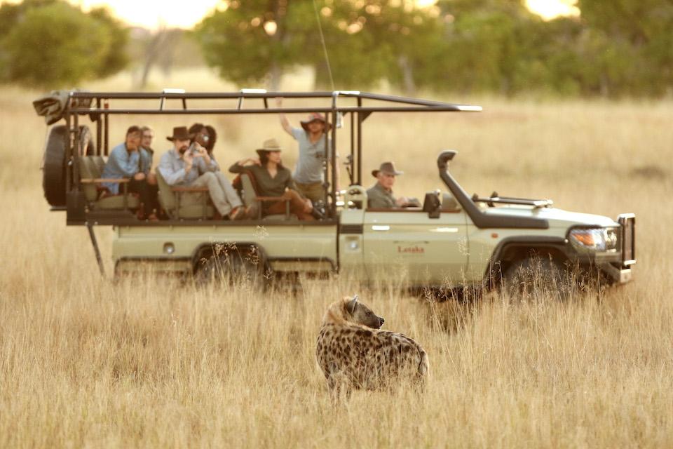 blooming-desert-elela-africa-hyena-safari-vehicel